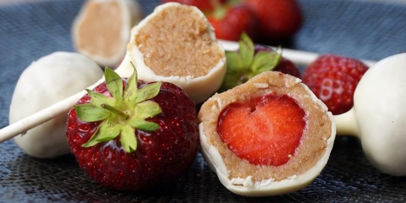 Erdbeer-Cake-Pops